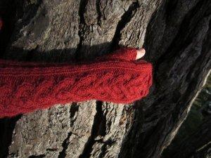 Strong heart mittens
