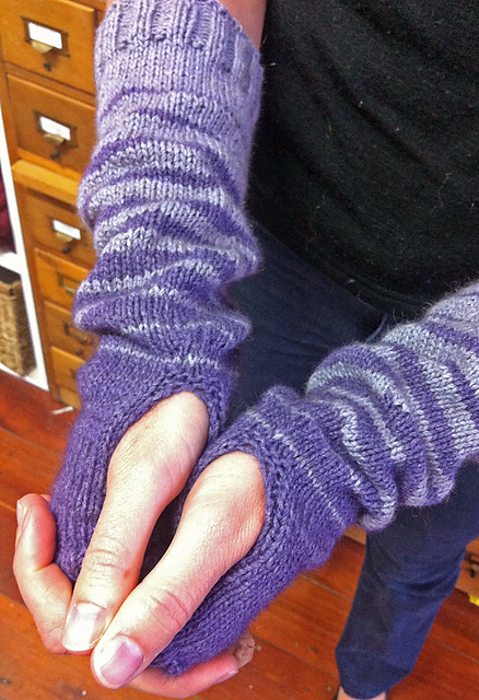 Dream mitts, design and image by Tash Barneveld